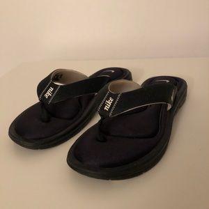 NWOT Nike Comfort Bed Flip Flops Size 10